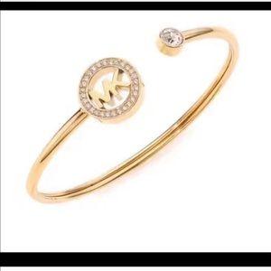 🎉Beautiful Michael Kors Bracelet 🎉
